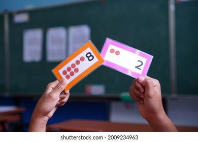 Sum macht die Nummer 10 für eine Matheunterricht.
