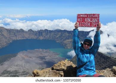 sumit mount rinjani withhappy woman indonesia lombok