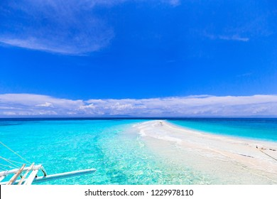 Summer activity of the Philippines, island hopping, virgin island of Cebu