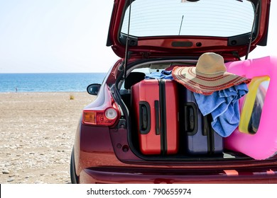 summer car and suitcase