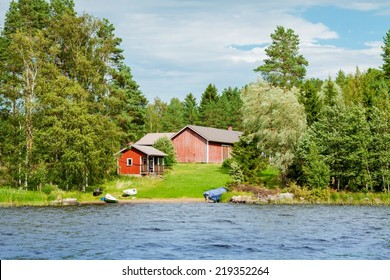 Summer cottage by the lake in rural Finland