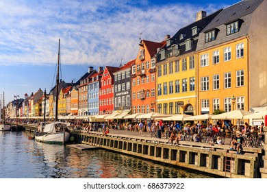 SUMMER DAY IN NYHAVN, COPENHAGEN, DENMARK - AUGUST 17, 2016