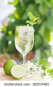summer drink Hugo Champagne drink with elderflower syrup, mint and lime