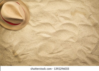 Summer holiday beach background with hat