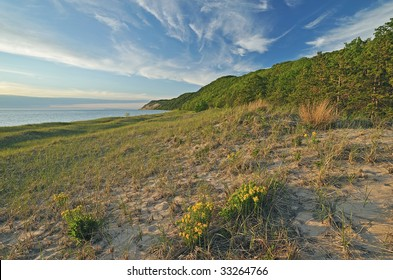 Summer landscape of the Lake Michigan shoreline at Sleeping Bear Dunes National Lakeshore, Michigan, USA