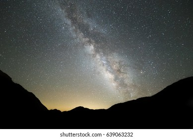 The summer milkyway glides across the desert sky with its beauty in full view.