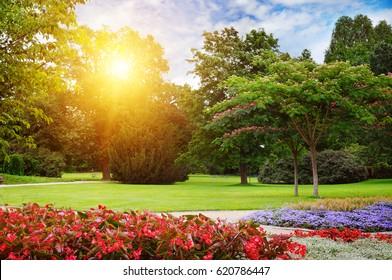 Sad je jasno : Hrvatsko će nebo čuvati netko drugi - Page 4 Summer-park-beautiful-flowerbeds-260nw-620786447