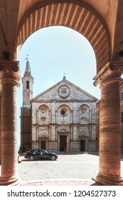 Summer in Pienza is quiet: the tourists are typically in more sought-after nearby cities, although storefronts are open for passerbys. On this Tuscan afternoon, the city only had the occasional touris