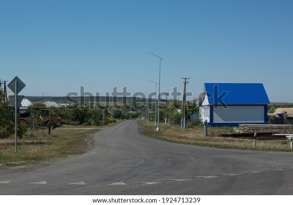 summer-rural-landscape-road-view-600w-19