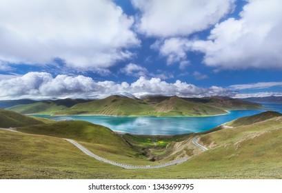 Summer scenery of Tibet Yamzhuo Lake