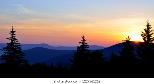 Summer Solstice Sunrise, Highland Scenic Highway, National Scenic Byway, Williams River Valley Overlook, Black Mountain , Monongahela National Forest, West Virginia, USA