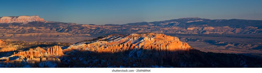 Summer sunrise in Bryce Canyon, Utah, USA.