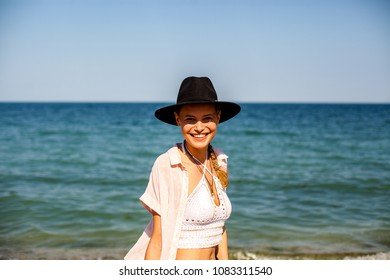 4ccc6e3764bd summer vibe and party girl with hat