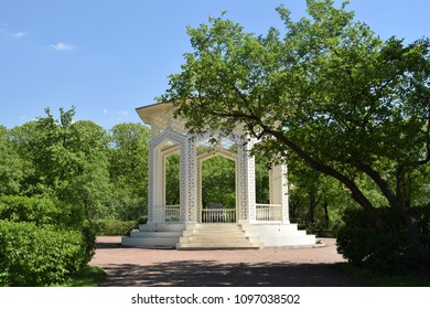 summerhouse in Gorky Park, Moscow