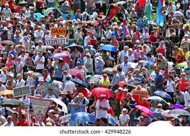 SUMULEU CIUC, ROMANIA - JUNE 6, 2014: Crowd of Hungarian Catholic pilgrims gathering in Csiksomlyo to celebrate the Pentecost