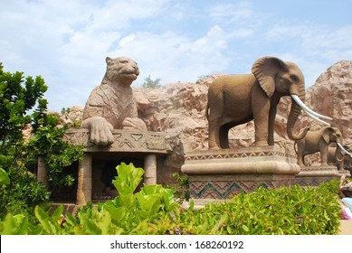 SUN CITY, SOUTH AFRICA - JANUARY 03: Gigantic elephant and leopard statues on Bridge of Time in famous resort Lost City at  January 03,2008 in Sun City, South Africa.