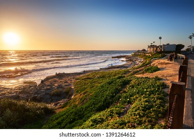 Sun goes down over the northern end of Windansea Beach, San Diego, California