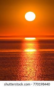 Sun Grandeur Wallpaper
