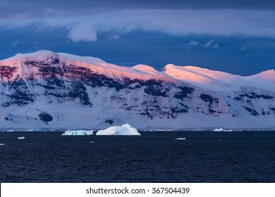 Sun set in Gerlache Strait