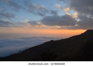 Sun Set Sandakphu