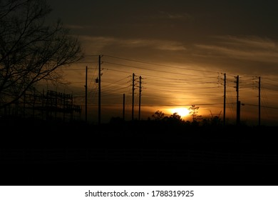 sun-setting-between-set-power-260nw-1788