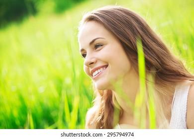 Sun, woman, smile.