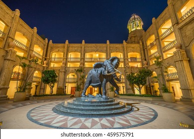 SUNCITY, SOUTHAFRICA - DEC 25,2015 : Large statue of an African elephant in Sun City, South Africa