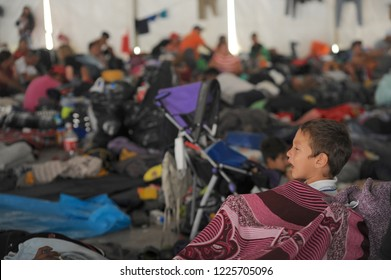 From Sunday, November 5, Mexico City installed a shelter for the migrant caravan of Central Americans heading to the United States. This Friday there is still a large group of migrants in the hostel