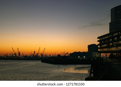 Sundowner in Hamburg Hafencity