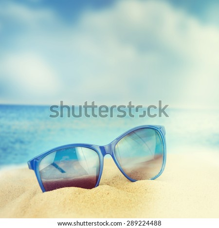 96606cc91499 Sunglasses On Sand Beach Stock Photo (Edit Now) 289224488 - Shutterstock
