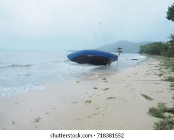 Sunken boat after the hurrican Maria at the beautiful tourist beach at Sainte-Anne in Martinique  . Caribean island  the 09/19/2017