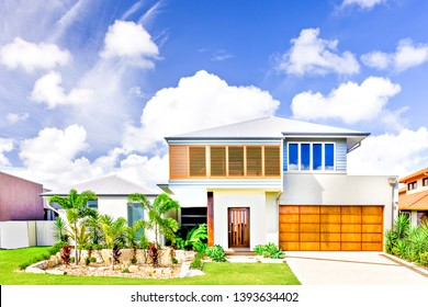 d8cf3fd3fe12 Sunlight arround the area, sky is beautiful from blue color, luxurious home  with natural