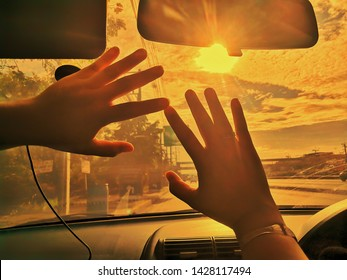 The sunlight in the car when driving makes the vision poor. May be dangerous on the road Must be equipped with a filter to reduce the incidence of visible light.