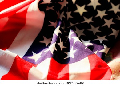 Sunlight sent at the american flag