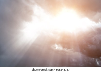 Sunlight skylight from the clouds of divine light.