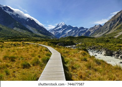A sunny day walking along the Hooker Valley track,Mount Cook, New Zealand.  (19-03-2017)