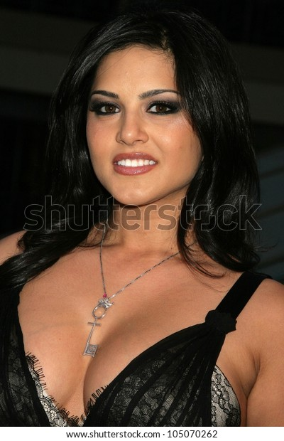 Sunny Leone Los Angeles Premiere Naked Stock Photo Edit Now 105070262-9786