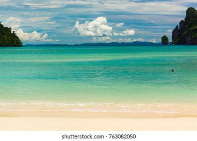 In Sunny Paradise Sunny Beach