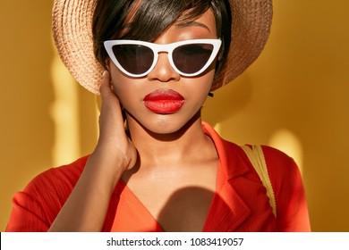 African Woman Hat Images Stock Photos Vectors Shutterstock