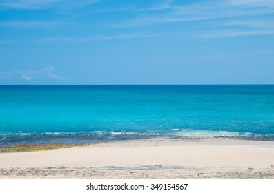 Sunny sea on the island of Bali. The beach called Dreamland and is located on the Bukit Peninsula. Indonesia