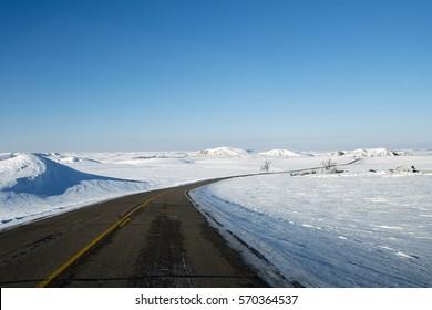 Sunny winters day drive near Bismarck, North Dakota, USA
