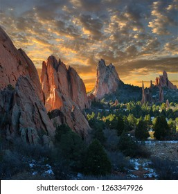Sunrise at Central Garden of the Gods Park, Colorado Springs, Colorado, USA.
