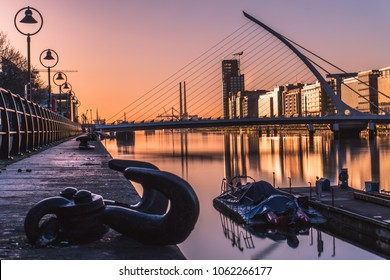 Sunrise in Dublin, Samuel Backett Bridge, River Liffey, Ireland