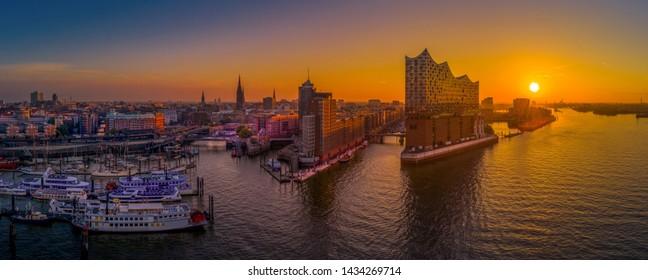 Sunrise in Hamburg with the Elbe Philharmonic Hall
