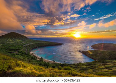 Sunrise from Hanauma Bay on Oahu, Hawaii