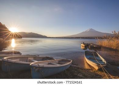 Sunrise at Kawaguchi Lake Cool weather