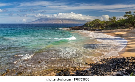 Sunrise at Little beach with turquoise sea, a popular nudist beach in Makena on the south shore of Maui, Hawaii