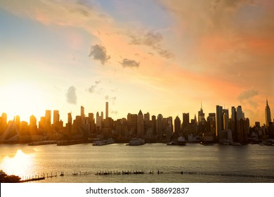 Sunrise of Manhattan skyline, New York City