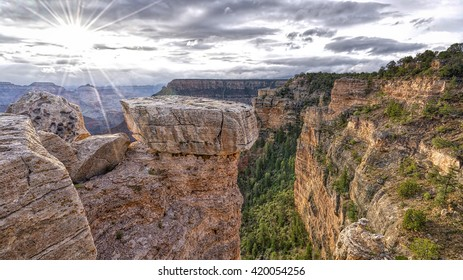 Sunrise at Mather Point in Grand Canyon National Park.