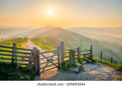 Sunrise on The Great Ridge in the Peak District, England